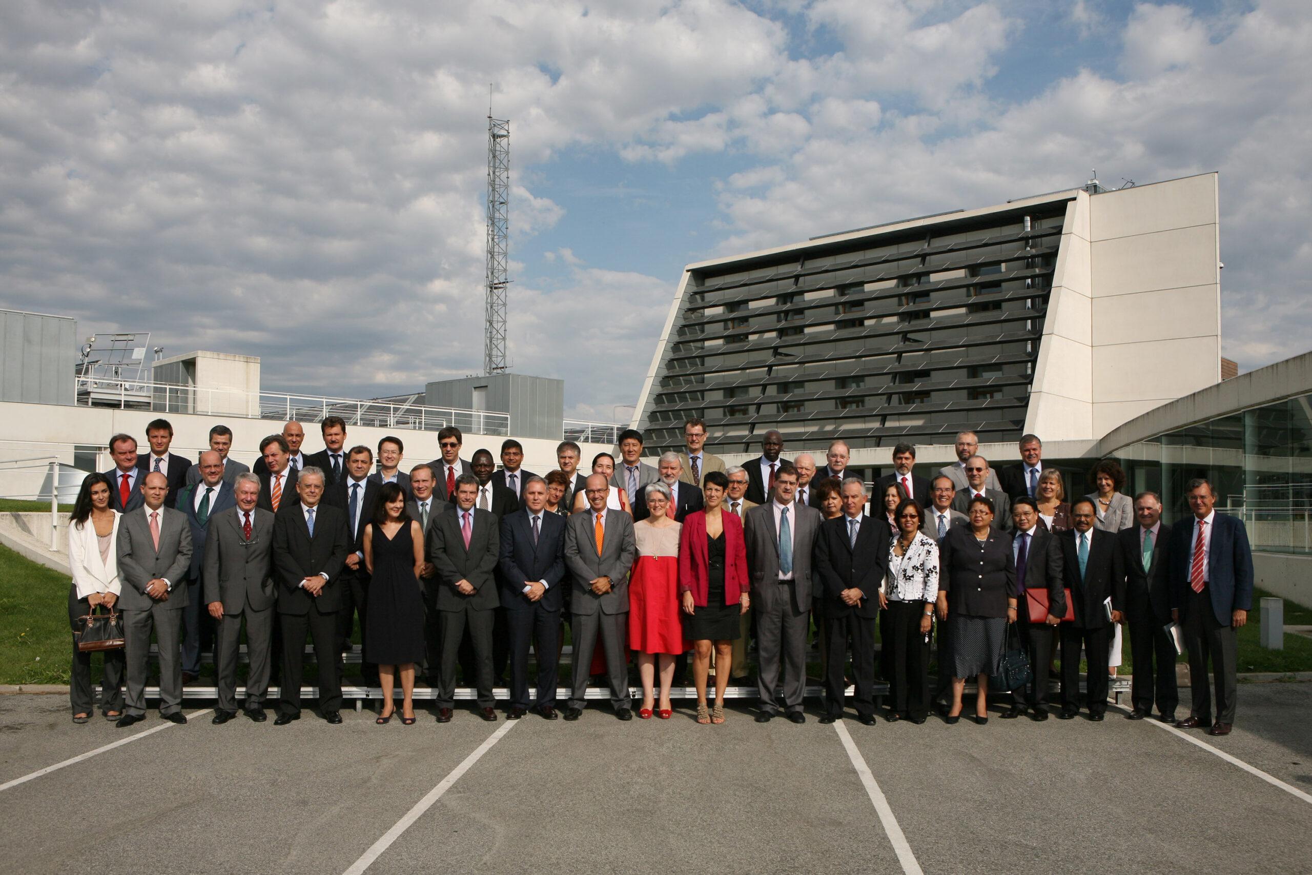 Visita de 35 embajadores acreditados en España (2011).
